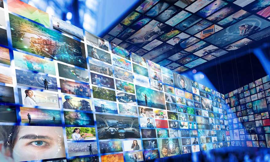 The projected value of the global digital signage market by 2026.