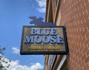 Blue-Moose-signage